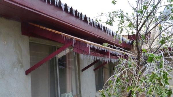 Ice house P1060098