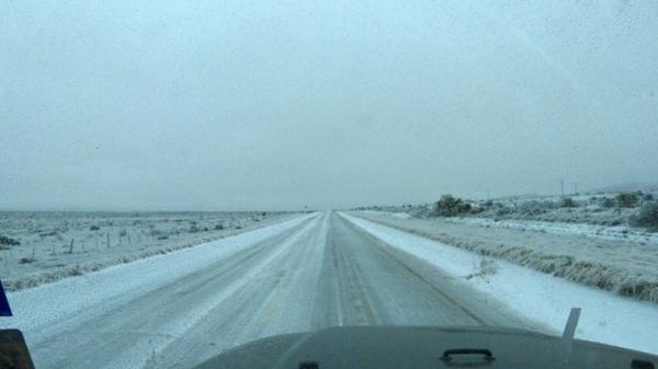Ice road P1060101