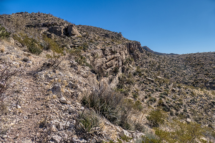 P1100466 Strawhouse Trail