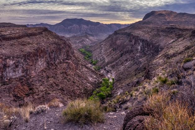 P1110062 desert canyon mountains