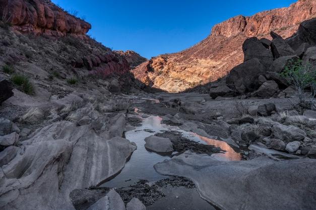 P1110182 canyon water