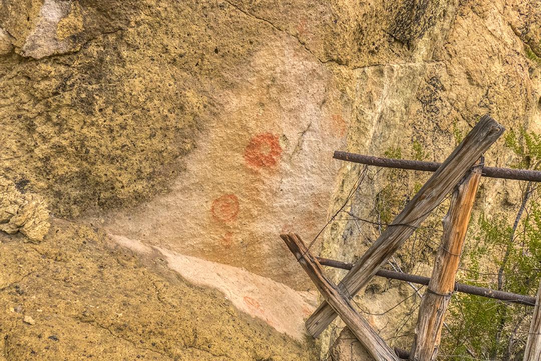 P1110250 rock art cave